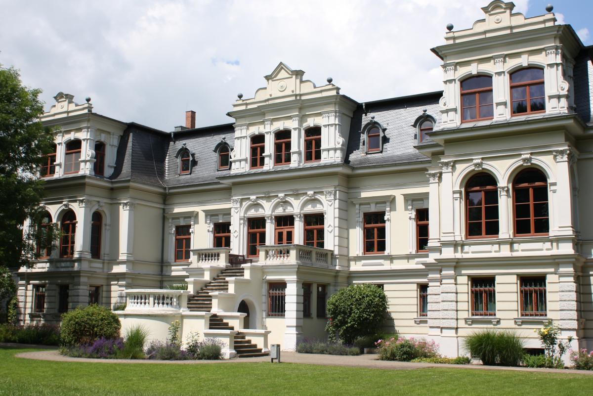 die villa b ckelmann bildungsnetzwerk magdeburg. Black Bedroom Furniture Sets. Home Design Ideas
